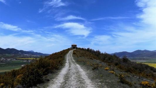 camino que conduce a las terapias altenativas-En Manos de Nara