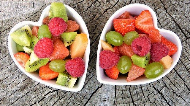 fruta-En manos de Nara
